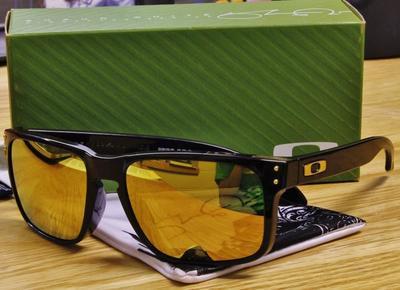 b0979c821f NEW Oakley Holbrook   Shaun White LTD - Black Gold - Sell and Trade ...